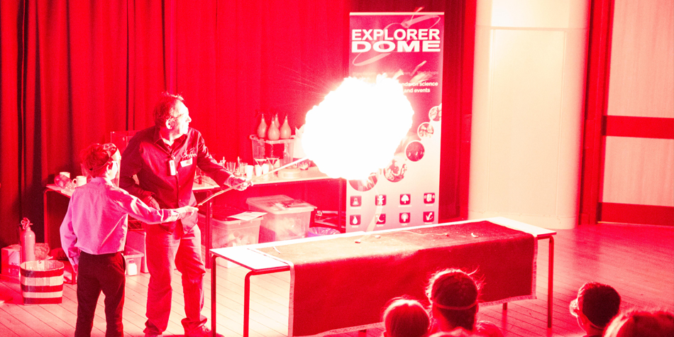 Explorer Dome Chemistry Show